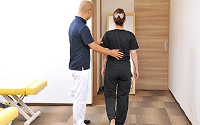 早期改善への近道!施術と合わせてやると効果大!自宅でできる簡単なストレッチ法をアドバイスします
